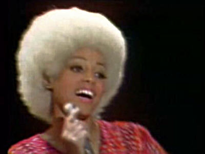 Top 10 Female Singers Of All Time  