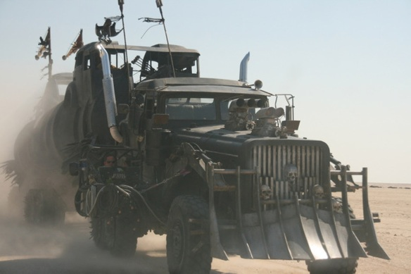 mad_max_4_fury_road_furiosa_s_war_rig_3_by_maltian-d7sti9b